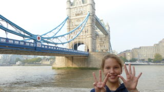 girl k-rates tower bridge, London