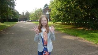 girl reviews kensington palace and gardens london