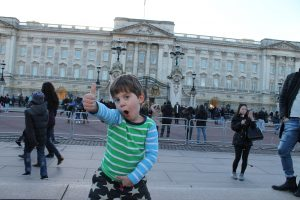 Thumbs up for the Queen's pad at Buckingham Palace Top 10 Places For Kids In London Kidrated