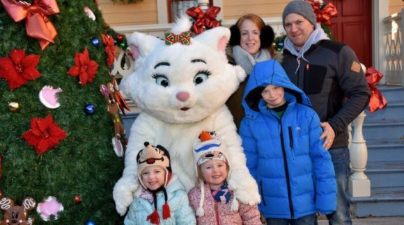 twinderelmo family with disney cat kidrated meets